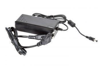 MDS PS512 muuntaja 220V – 12V 5A 5.5mm DC plugi